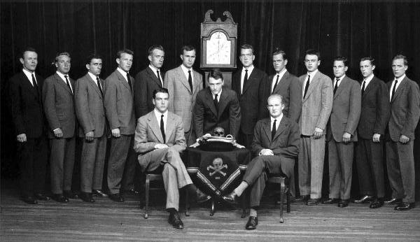 skull_and_crossbones_c1947_ghw_bush_left_of_clock